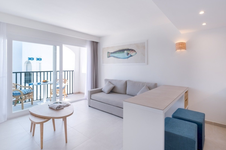 Select studio with side sea view carema beach menorca