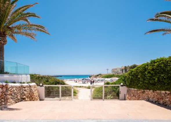 Direct beach access carema beach menorca