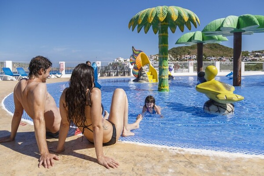 Don't miss out on your holidays! carema club resort menorca