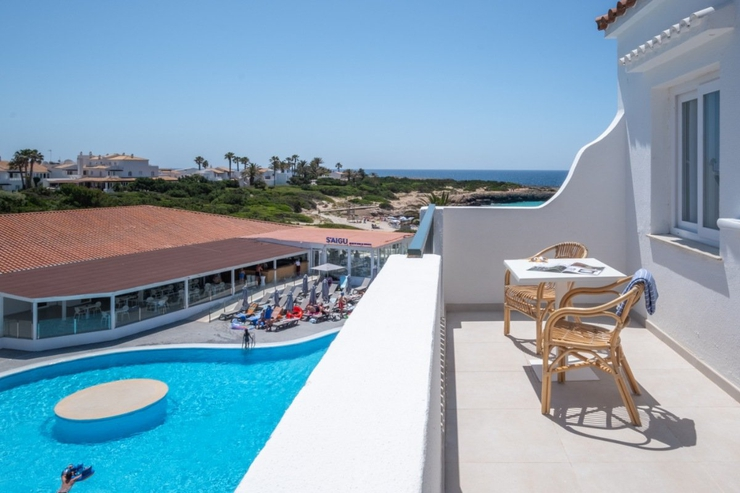 Select studio with pool view carema beach menorca