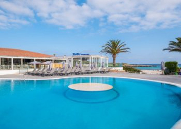 Pool carema beach menorca
