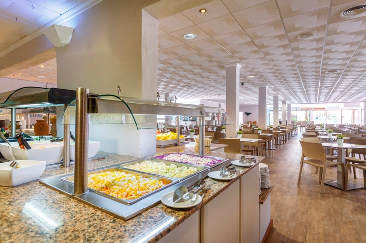 Buffet vistamar carema club resort menorca